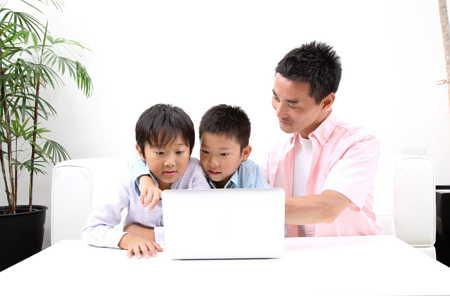 親子でオンライン英会話スクール