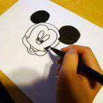 ミッキーマウスを描く