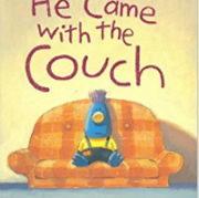 英語絵本「He came with the couch」